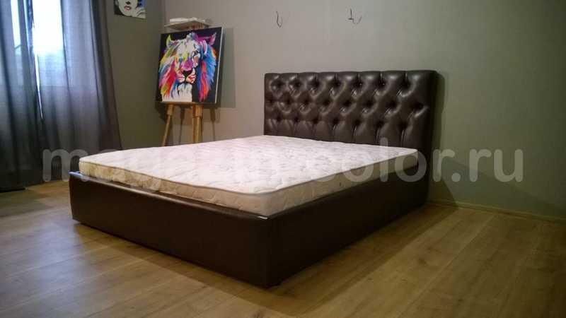 кровати с изголовьем в капитоне