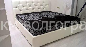Кровать со стразами Swarovski
