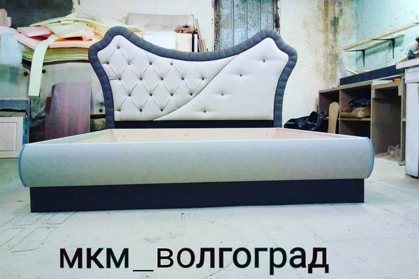 кровать с ассиметричным изголовьем